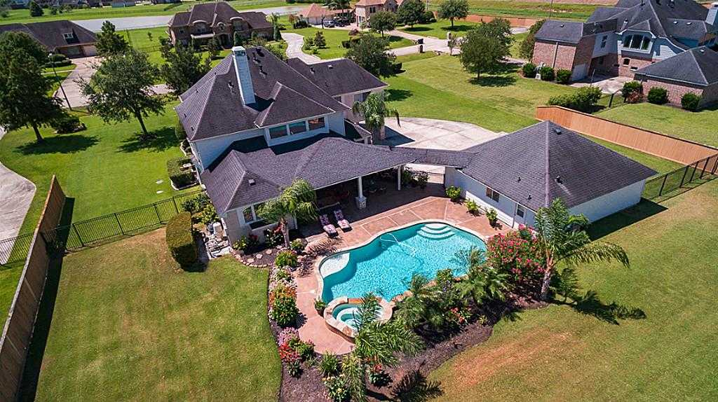 $610,000 - 4Br/5Ba -  for Sale in Whispering Lakes Ranch Sec 1, League City
