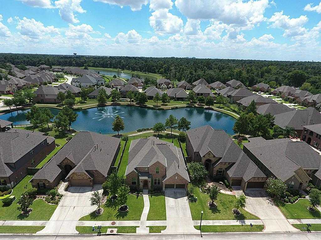 $400,000 - 4Br/5Ba -  for Sale in Lakes Of Cypress Forest, Spring