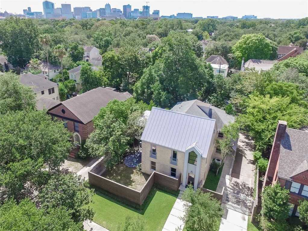 $1,515,000 - 4Br/4Ba -  for Sale in Southampton Place Ext, Houston