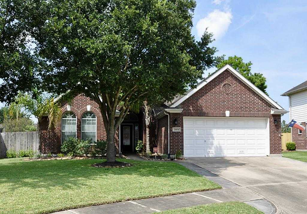 $229,000 - 4Br/2Ba -  for Sale in Brittany Lakes Sec 8 2004, League City