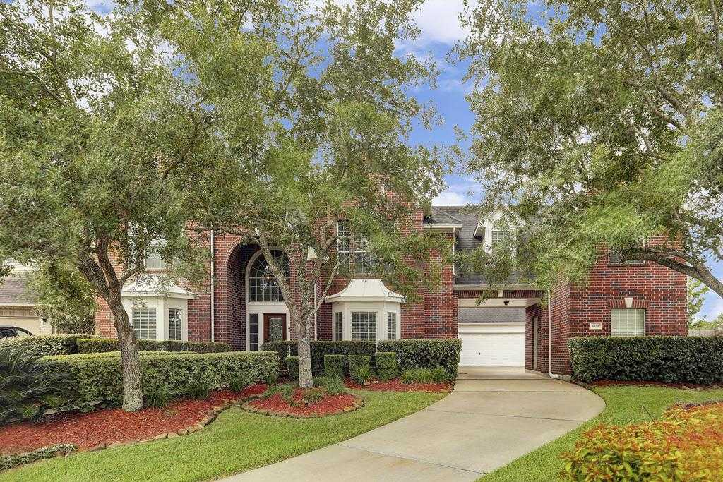 $475,000 - 4Br/4Ba -  for Sale in Victory Lakes, League City