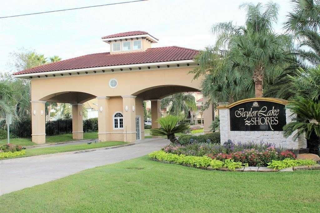 $677,000 - 5Br/5Ba -  for Sale in Taylor Lake Shores, Seabrook