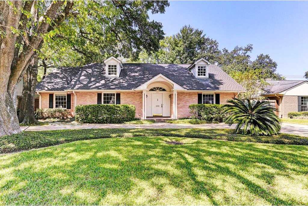 $775,000 - 3Br/3Ba -  for Sale in Briarcroft, Houston