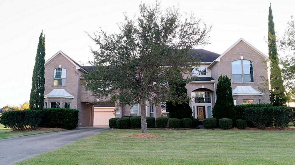 $595,000 - 4Br/4Ba -  for Sale in Whispering Lakes Ranch, League City