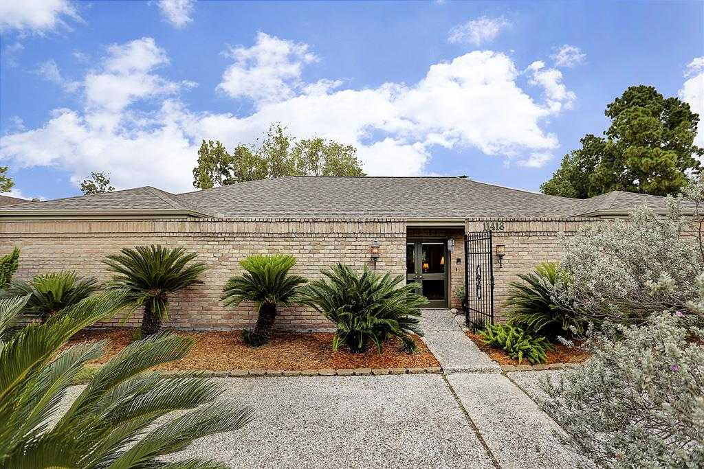 $549,900 - 3Br/2Ba -  for Sale in Lakeside Place, Houston