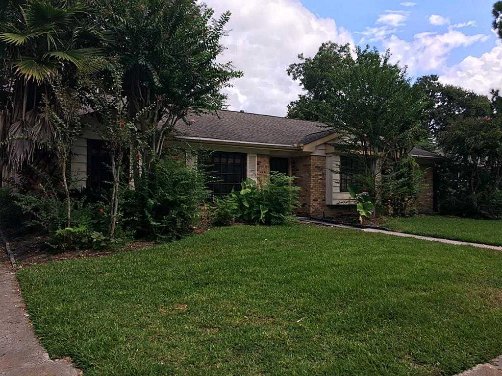 $185,000 - 3Br/2Ba -  for Sale in Parkwest, Houston