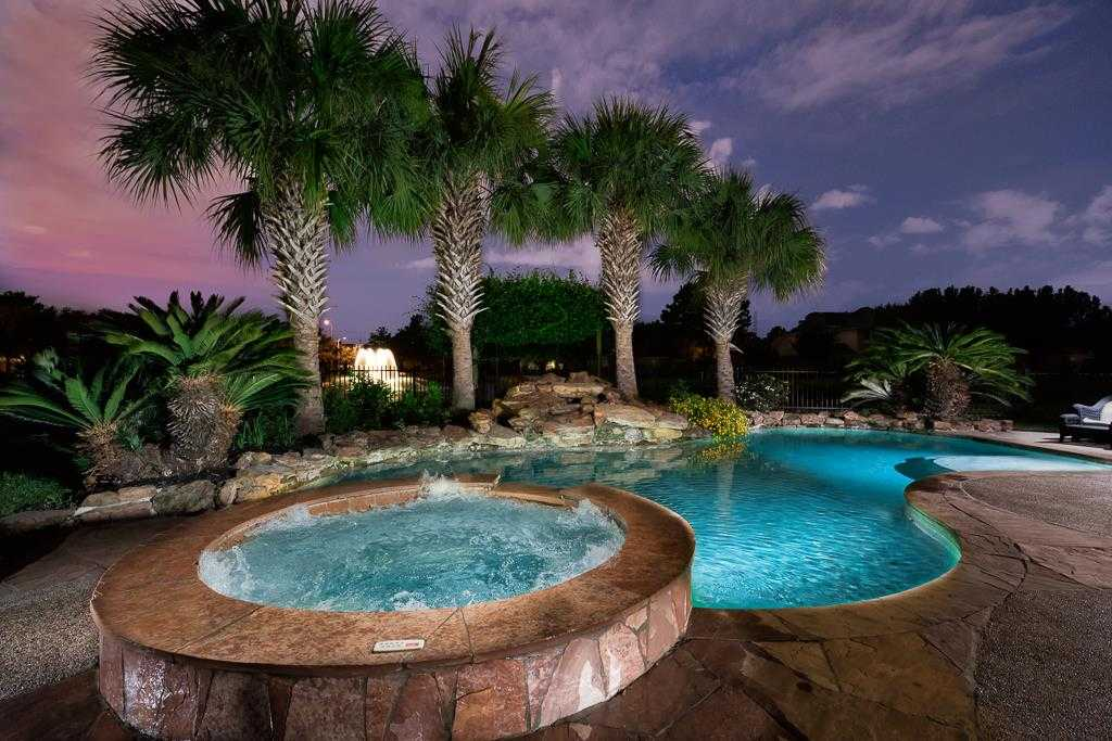 $399,500 - 5Br/5Ba -  for Sale in Stone Gate, Houston