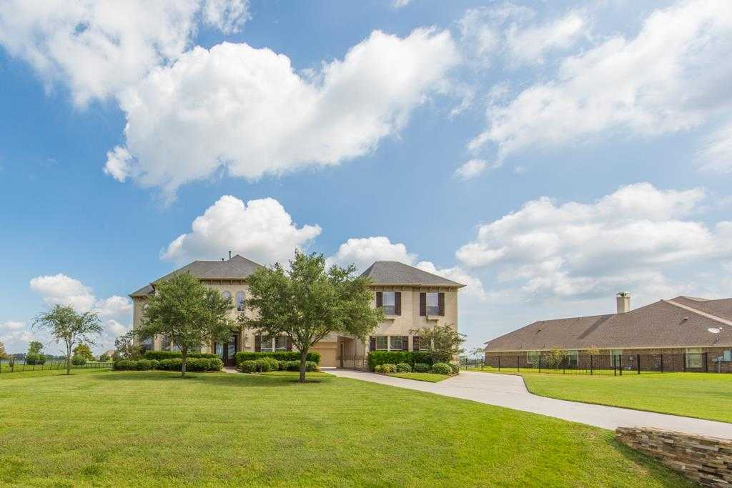 $640,000 - 4Br/4Ba -  for Sale in Whispering Lakes Ranch, League City