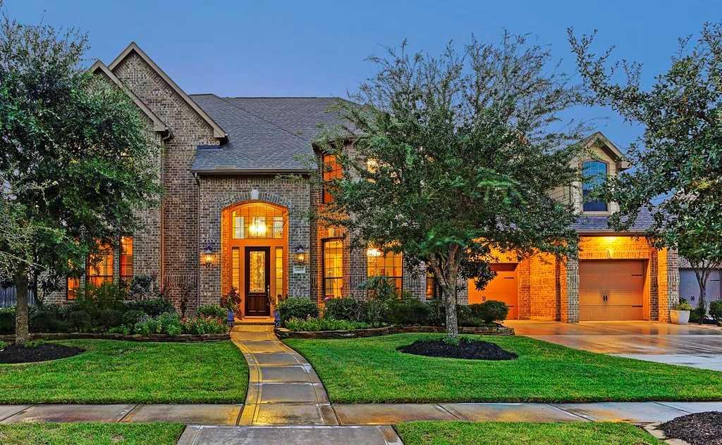 $542,000 - 4Br/4Ba -  for Sale in Fairfield Village North Sec,