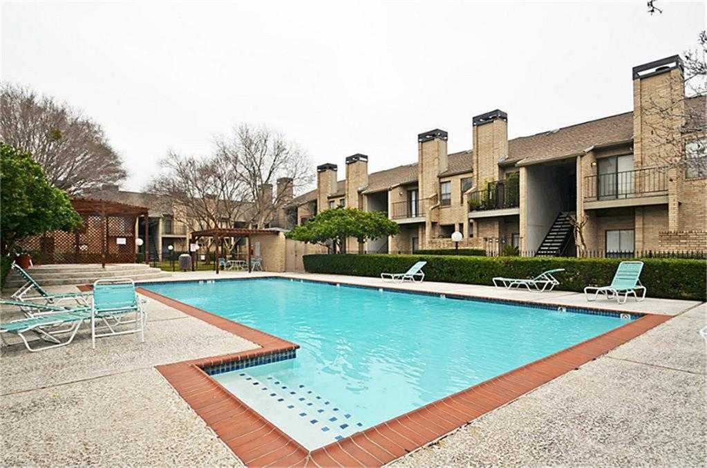 - 2Br/2Ba -  for Sale in Westchase Gardens Condo Ph 2, Houston