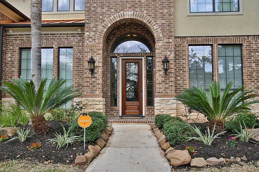 $619,900 - 4Br/4Ba -  for Sale in Greatwood Shores, Sugar Land