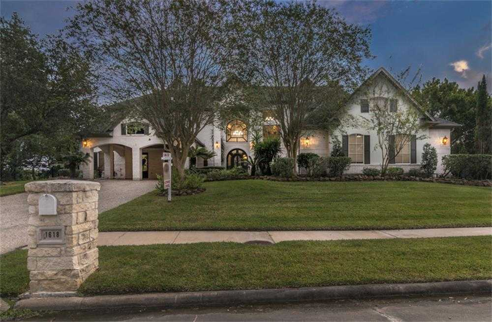 $1,539,000 - 4Br/4Ba -  for Sale in Taylor Lake Shores Sec 01 Am, Seabrook