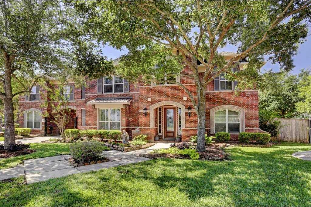 $725,000 - 4Br/4Ba -  for Sale in Greatwood Lakeside Village, Sugar Land