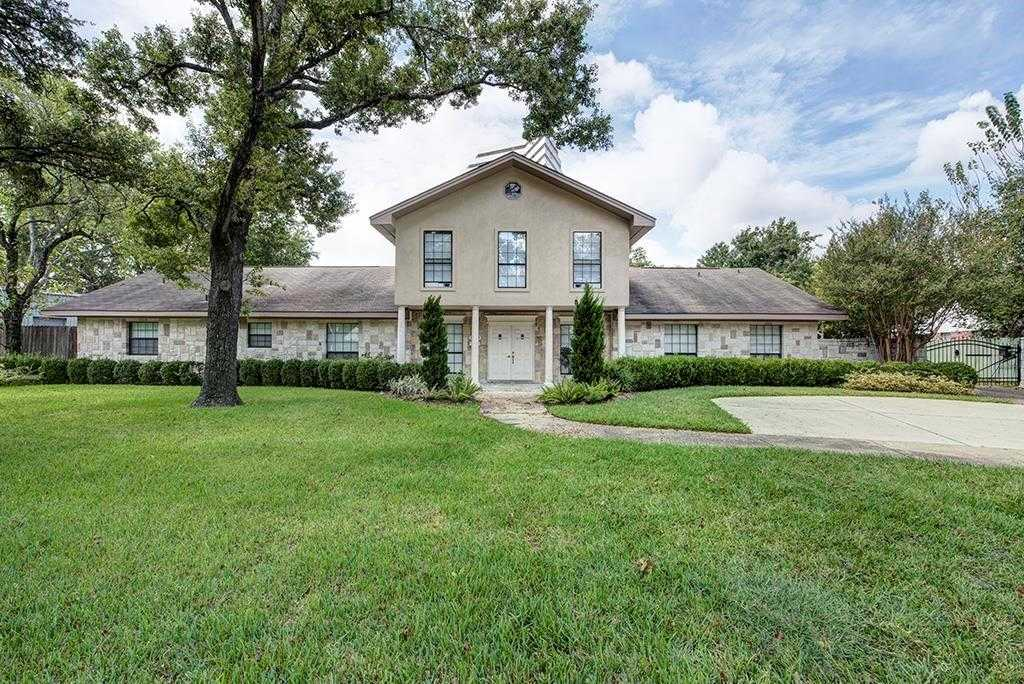 $799,000 - 3Br/3Ba -  for Sale in Briarcroft, Houston