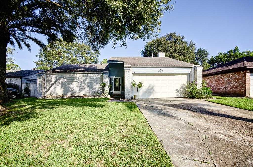 $235,000 - 4Br/2Ba -  for Sale in Middlebrook Sec 01, Houston