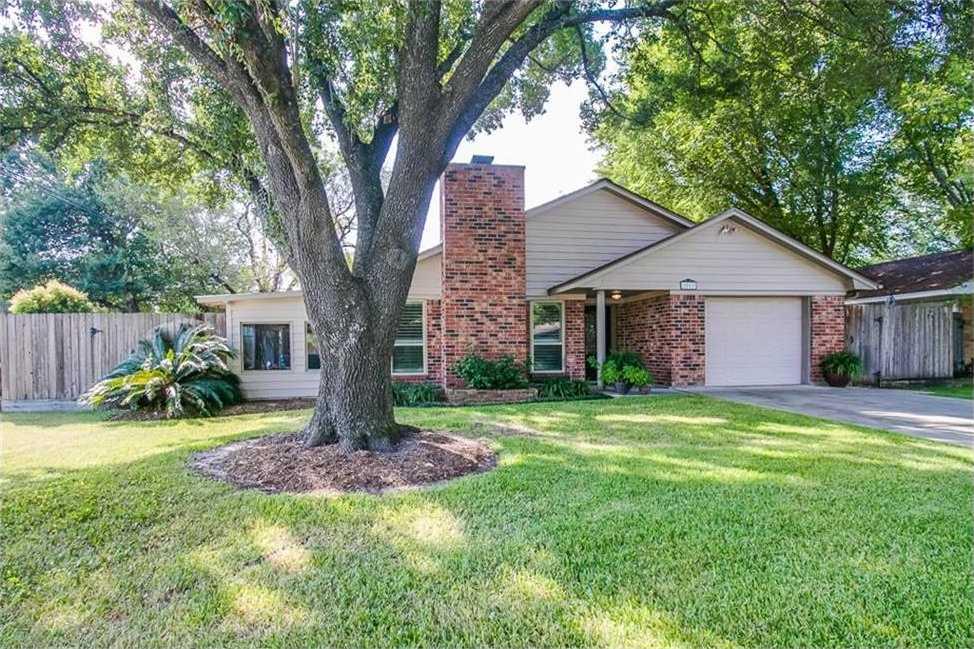 $250,000 - 3Br/2Ba -  for Sale in Long Point Oaks, Houston