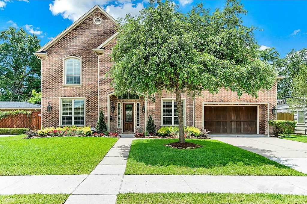 $915,000 - 4Br/4Ba -  for Sale in Larchmont, Houston