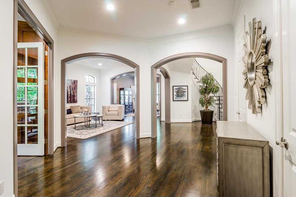 $1,099,000 - 5Br/4Ba -  for Sale in Teas Dale, Bellaire