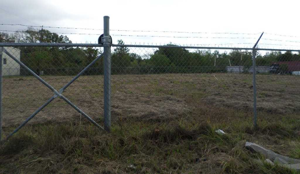 - Br/0.00Ba -  for Sale in Greenview Manor Sec 02, Houston