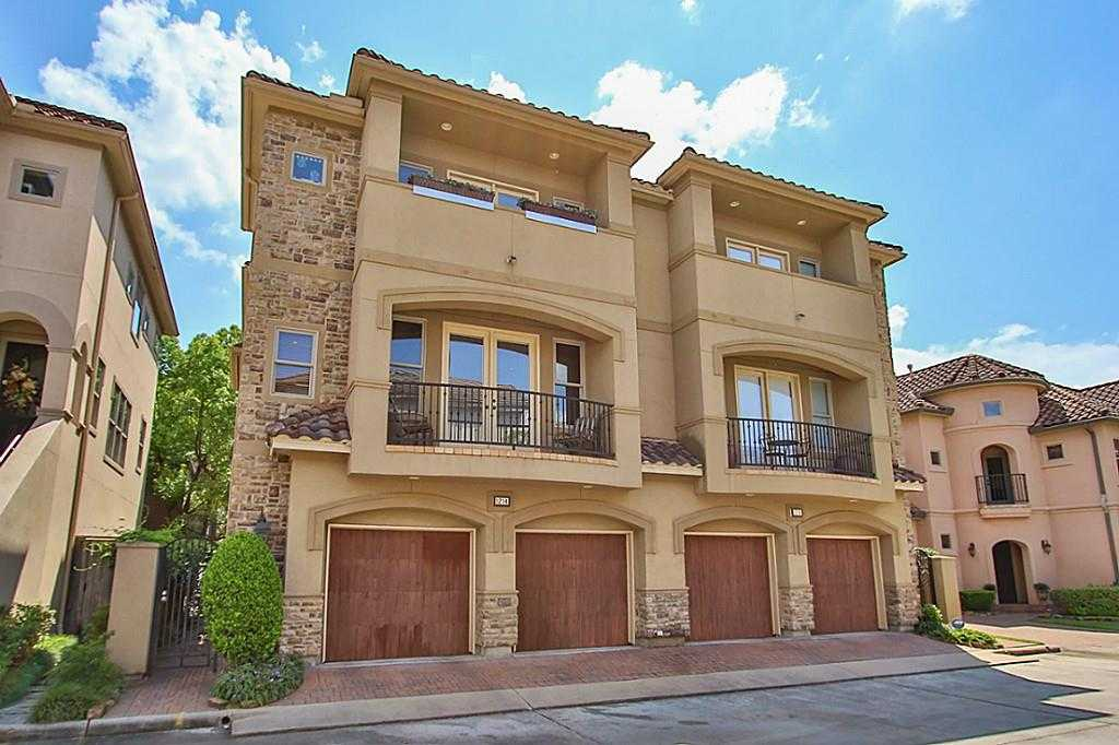 $530,000 - 3Br/3Ba -  for Sale in Hunters Creek Villas, Houston