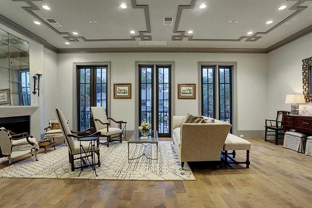 $1,599,900 - 3Br/4Ba -  for Sale in Cadogan Place, Houston