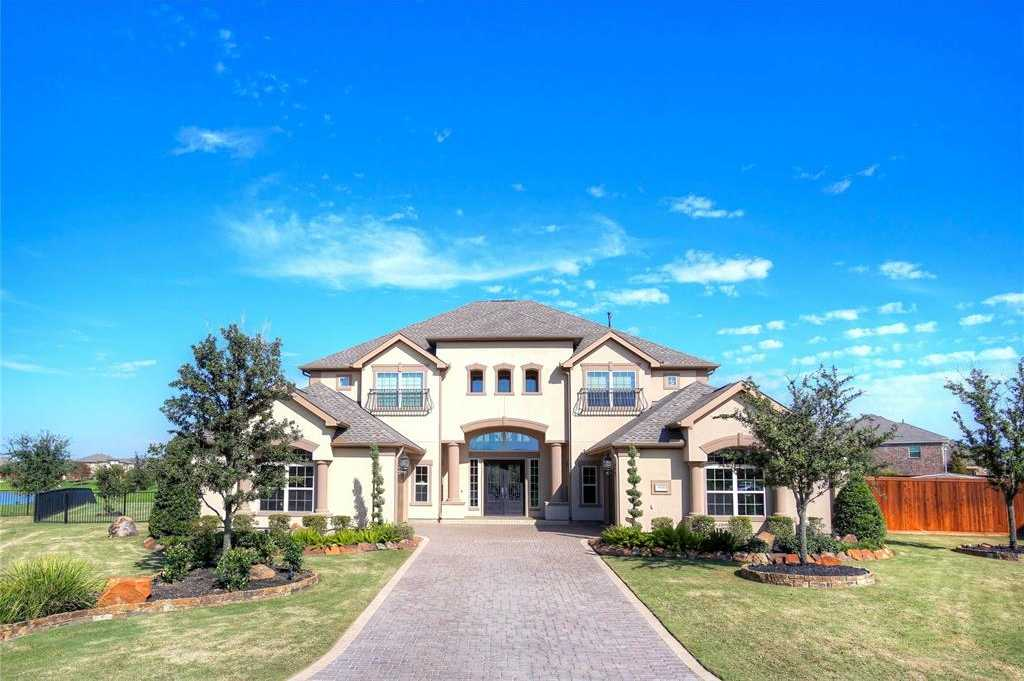 $1,295,000 - 4Br/5Ba -  for Sale in Towne Lake, Cypress