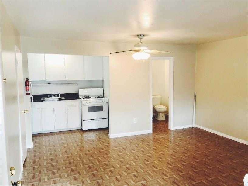 - Br/1Ba -  for Sale in Lancaster Place Ext 03, Houston