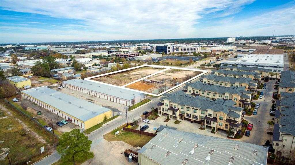$3,100,000 - Br/Ba -  for Sale in Moore Acres, Houston