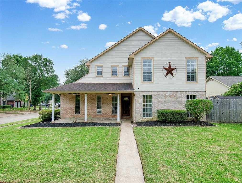 $250,000 - 5Br/3Ba -  for Sale in Bear Creek Village Sec 12, Houston