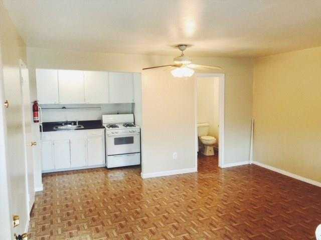 - Br/2Ba -  for Sale in Lancaster Place Ext 03, Houston
