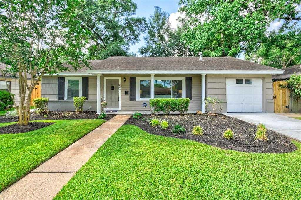 $459,000 - 3Br/2Ba -  for Sale in Oak Forest Sec 13, Houston