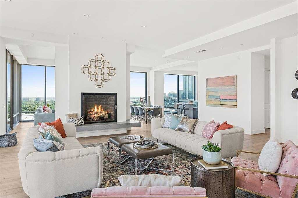 $3,375,000 - 3Br/4Ba -  for Sale in The Wilshire At River Oaks District, Houston