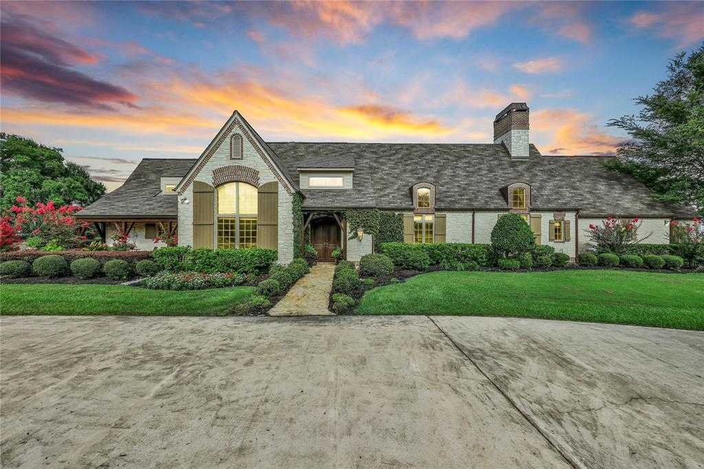 $1,195,000 - 4Br/5Ba -  for Sale in Oaks Of Holly Creek, Tomball