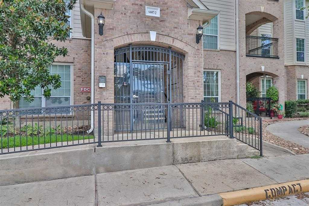 $190,900 - 2Br/2Ba -  for Sale in Condominiums At Sterling Green, The Woodlands