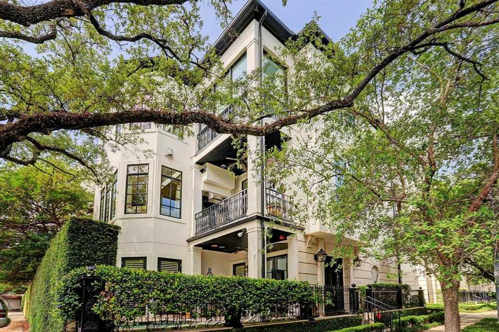 $1,639,000 - 3Br/4Ba -  for Sale in Cheyne Walk, Houston