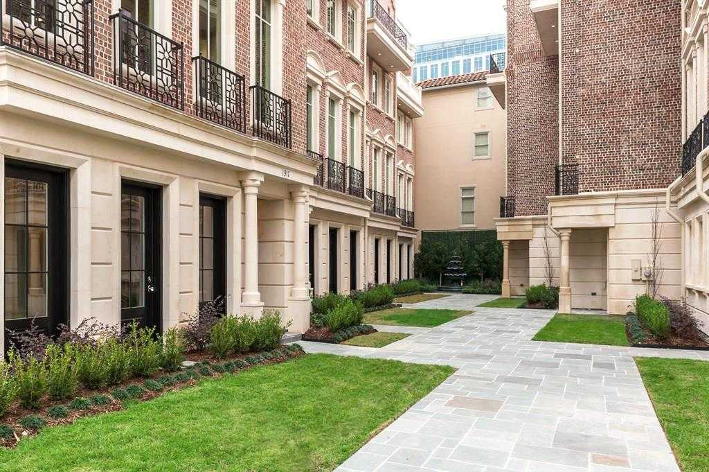 $1,649,900 - 3Br/4Ba -  for Sale in Cadogan Place, Houston