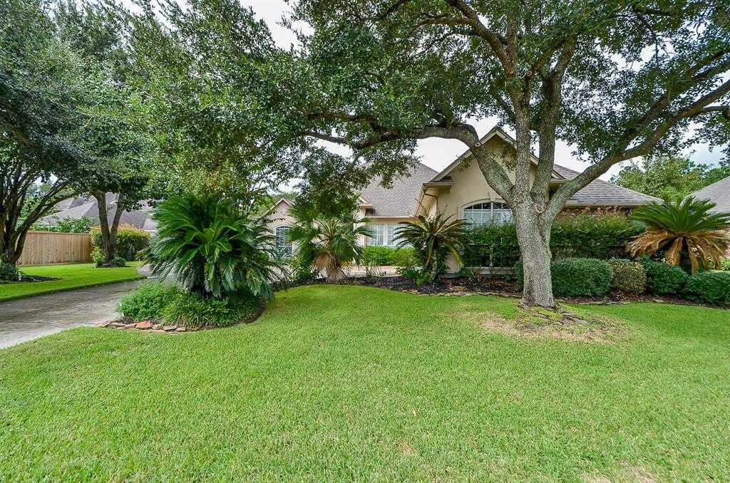 - 4Br/4Ba -  for Sale in Lakes On Eldridge Sec 17 R/p, Houston