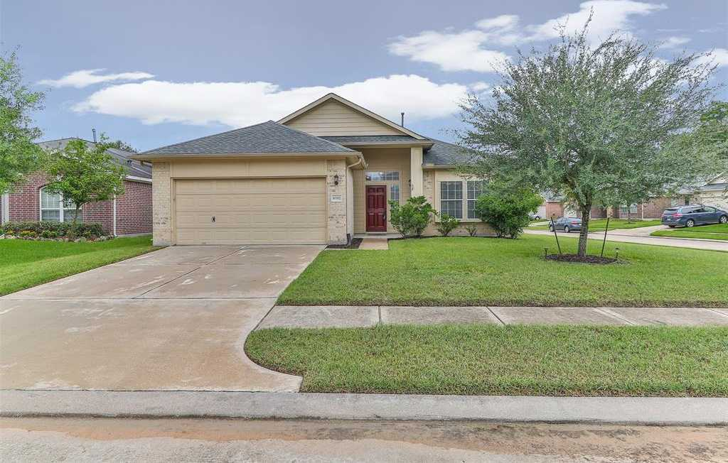 $181,999 - 3Br/2Ba -  for Sale in Champions Crossing, Houston