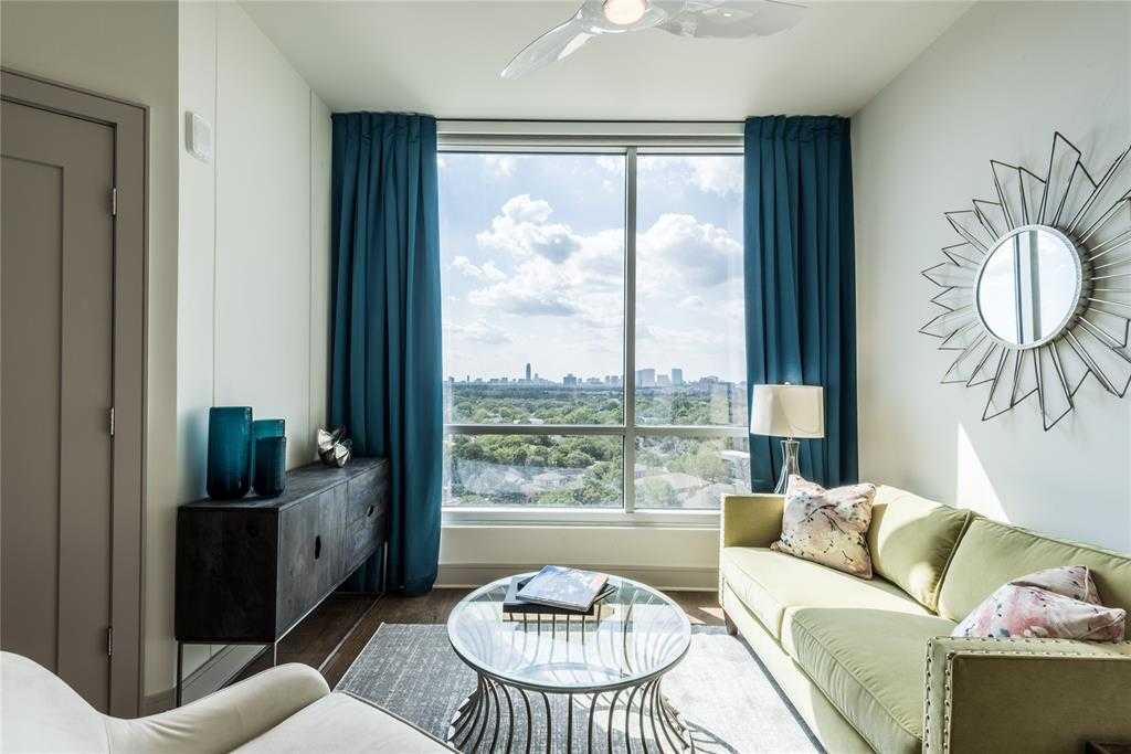 - 2Br/2Ba -  for Sale in Old Main, Houston
