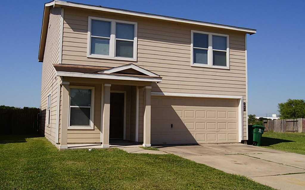 - 3Br/3Ba -  for Sale in Pierce Junction Village Sec 2, Houston