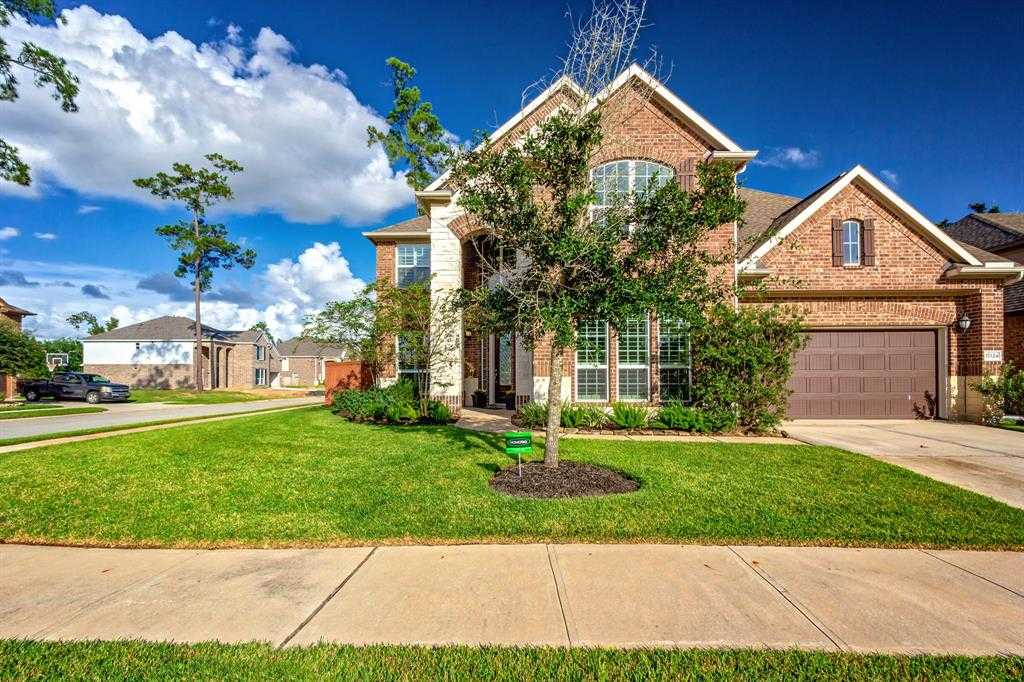 $359,000 - 4Br/4Ba -  for Sale in Waters Edge, Houston