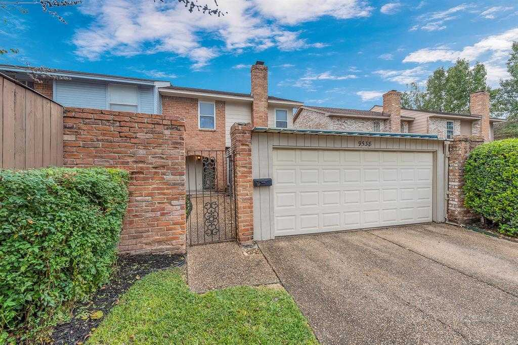 $145,000 - 3Br/3Ba -  for Sale in Kempwood Villa T/h, Houston