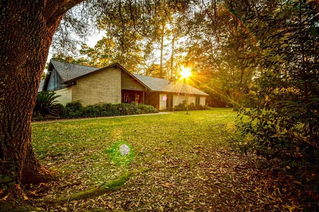 $299,900 - 4Br/3Ba -  for Sale in Forest Cove, Kingwood