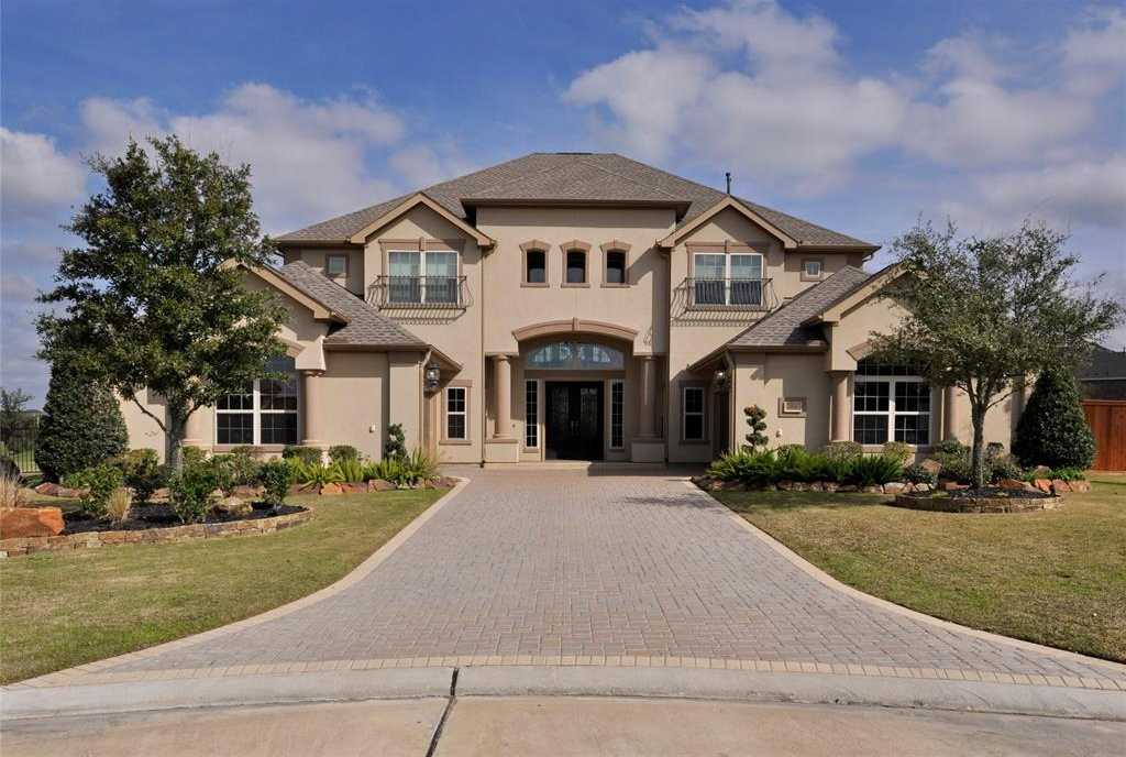 $1,225,000 - 4Br/5Ba -  for Sale in Towne Lake, Cypress