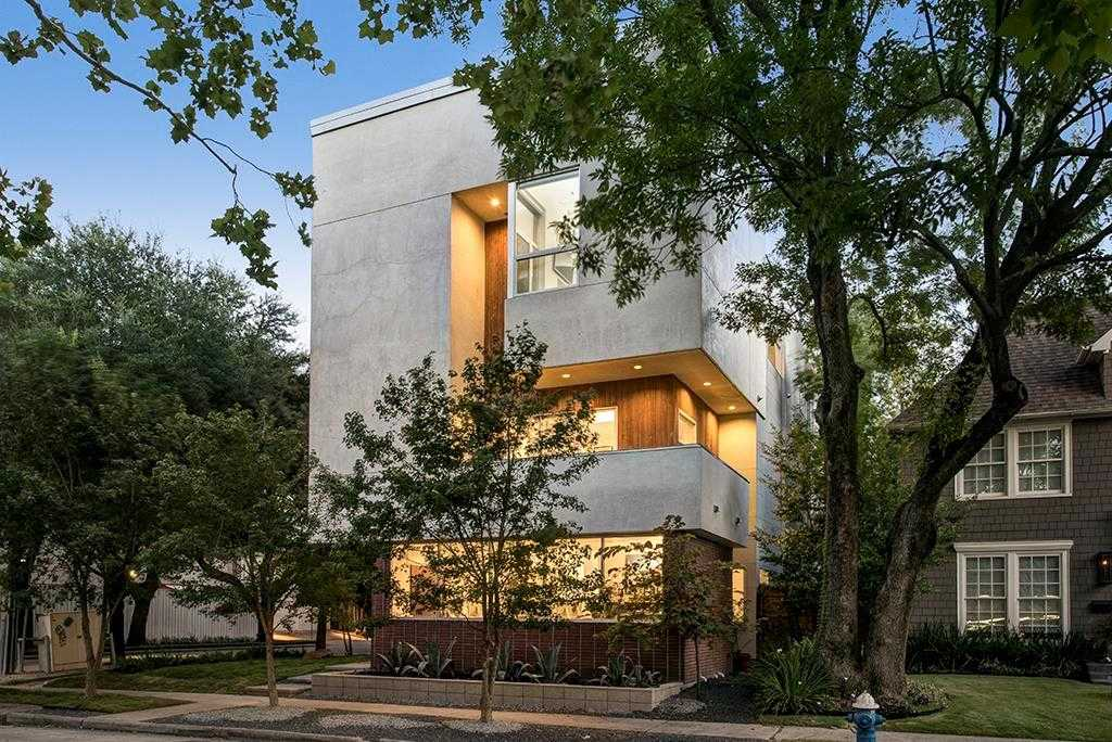 $999,999 - 4Br/4Ba -  for Sale in Chevy Chase Pt Rep 01, Houston