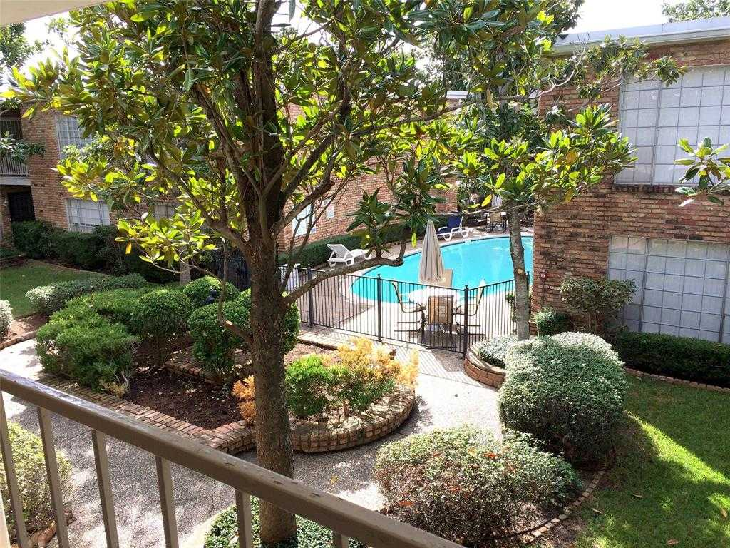 - 1Br/1Ba -  for Sale in Courtyards Of Three Fountains, Houston