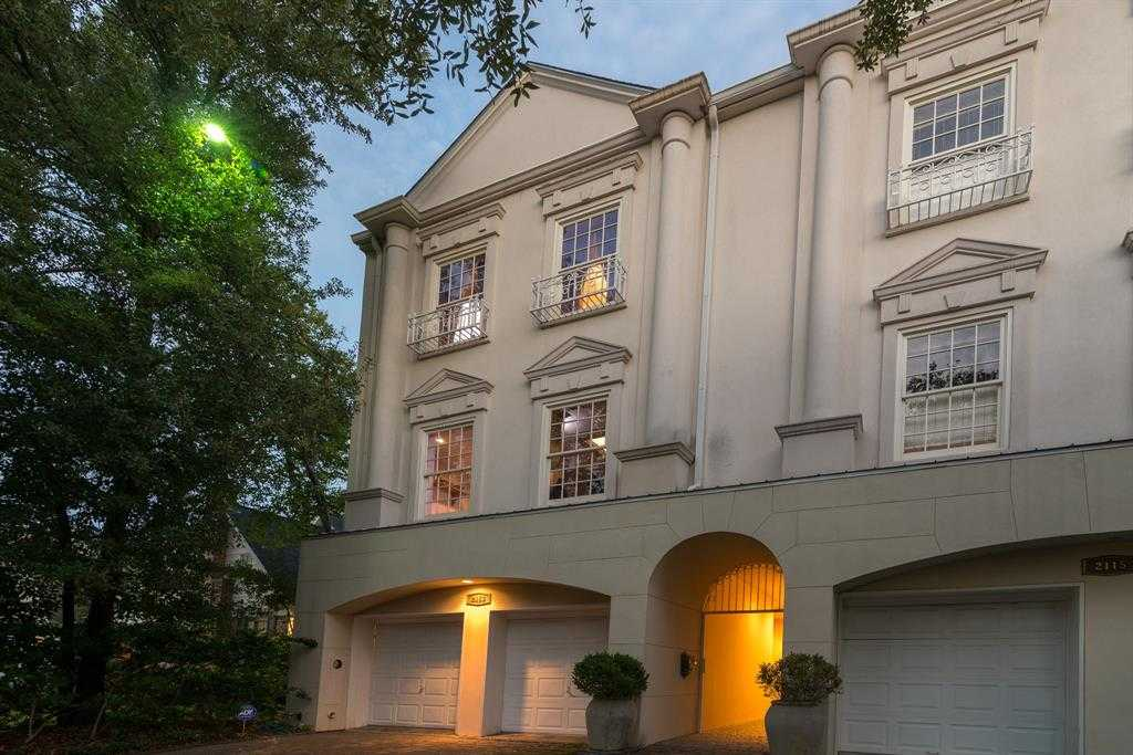$1,195,000 - 4Br/4Ba -  for Sale in Glendower Court, Houston
