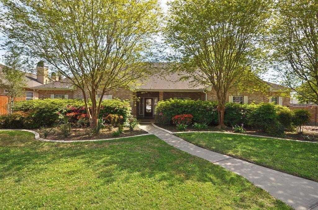$499,000 - 4Br/4Ba -  for Sale in Kings Lake Estates, Kingwood