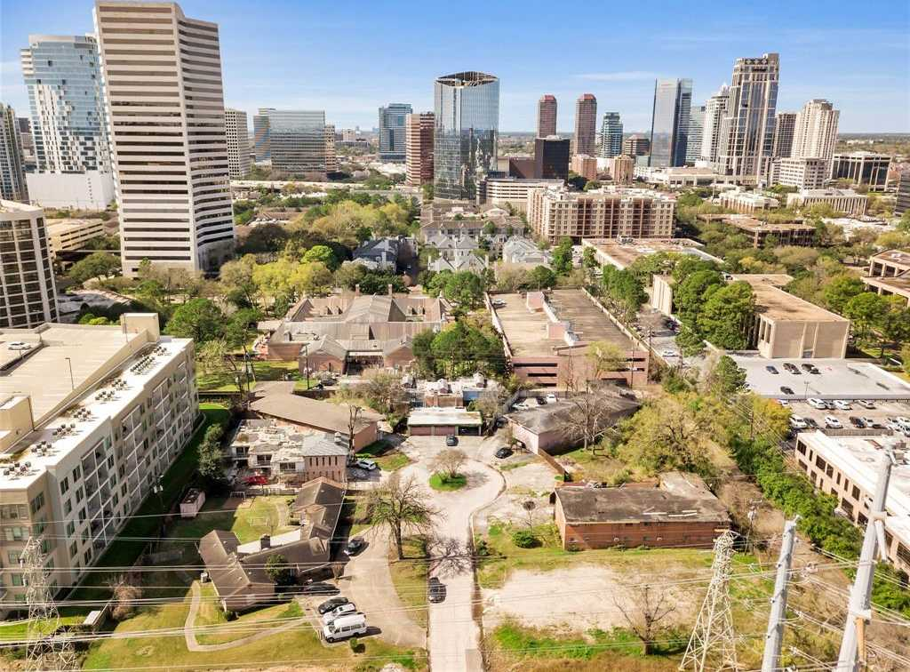 $1,150,000 - Br/Ba -  for Sale in Briar View, Houston