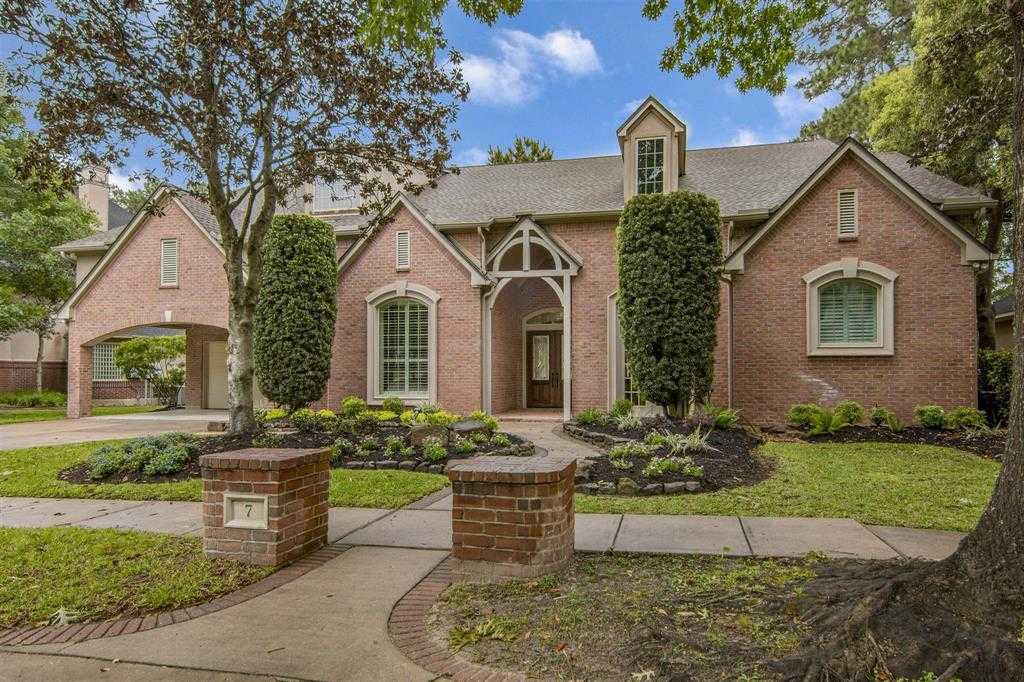 $799,900 - 4Br/5Ba -  for Sale in Kingwood Greens, Kingwood
